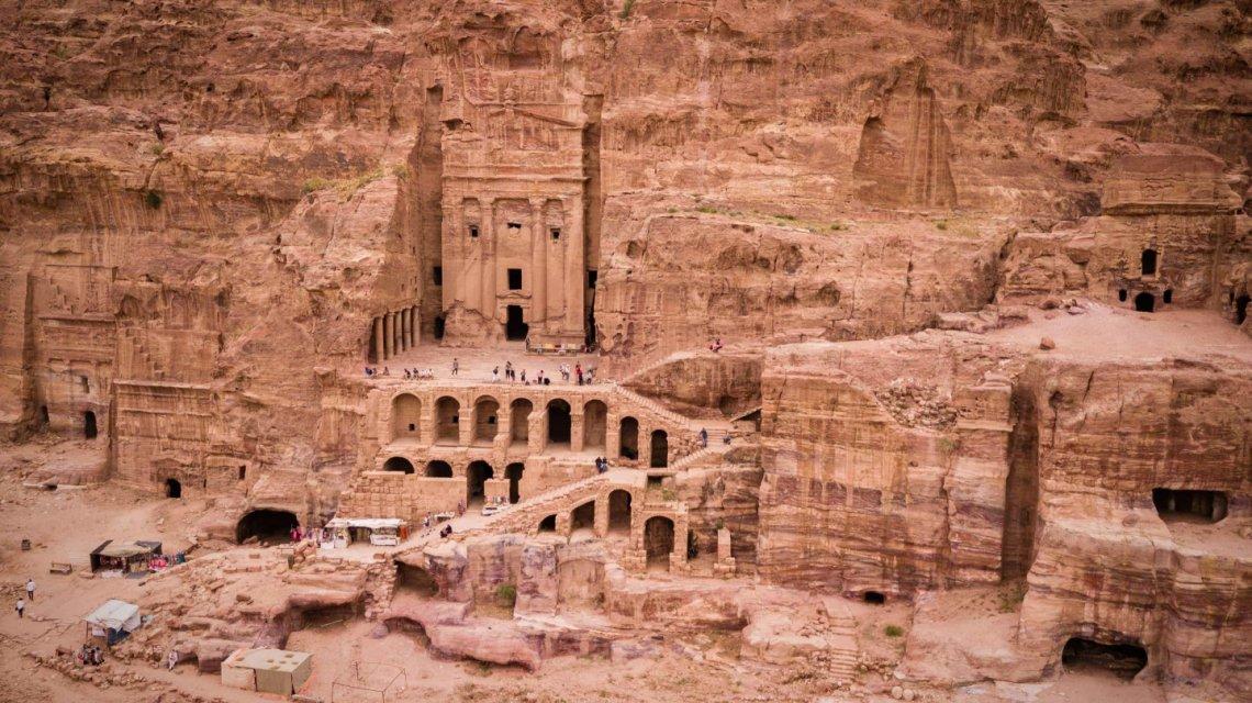 2018_Jordan_Petra-Royal-Tombs_genevieve-hathaway-1