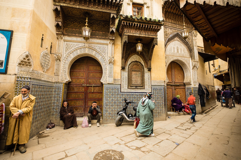 Genevieve-Hathaway_Morocco_Fez_Medina_daily-life-in-Fez-medina