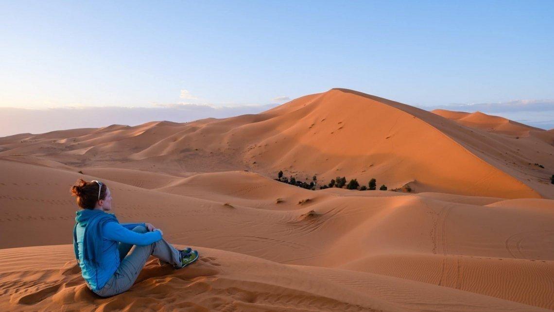 2017_Morocco_Sahara-Erg-Chebbi-dune-sunset_genevieve-hathaway_srgb-1735