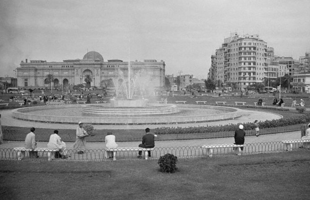 Tahrir Square in the mid-1950s was a beautiful park. A far cry from today's Tahrir Square which is a busy intersection for many of Cairo main artery streets. Photo: Wikimedia Commons