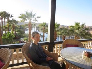 Joanie Maro soaking the ambiance at the Sofitel Old Cataract Hotel. Photo: Joanie Maro.